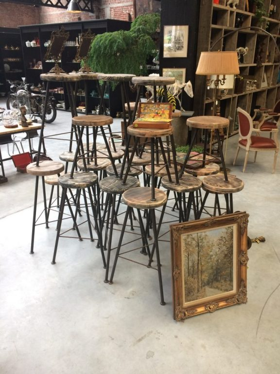 Mephistos Courtrai - Magasin Vintage Brocante